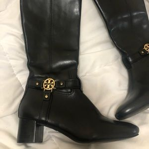 ToryBurch  leather boots black !
